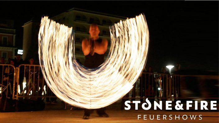 Feuershow Ston&Fire - Knut Semrau - Jonglage mit Feuerketten während einer Feuershow